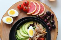 A great meal keeping the keto diet in mind. Avocado for healthy fats, eggs for protein, and fruit for sustained glucose.